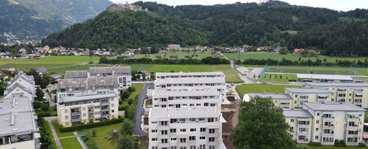 Penthouse mit Blick auf die Burgruine Landskron, Mittagskogel & Dobratsch